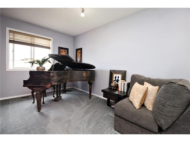 Photo 10: 32 ELGIN Bay SE in CALGARY: McKenzie Towne Residential Attached for sale (Calgary)  : MLS® # C3554299