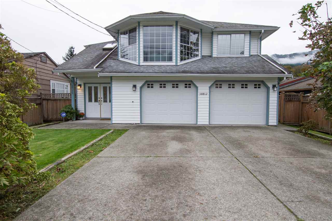 FEATURED LISTING: 38812 NEWPORT Road Squamish