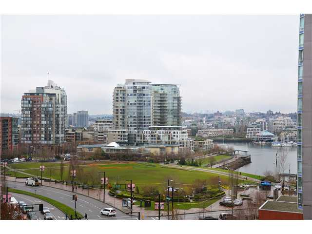 "Main Photo: 907 1438 RICHARDS Street in Vancouver: Yaletown Condo for sale in ""AZURA ONE"" (Vancouver West)  : MLS® # V990481"