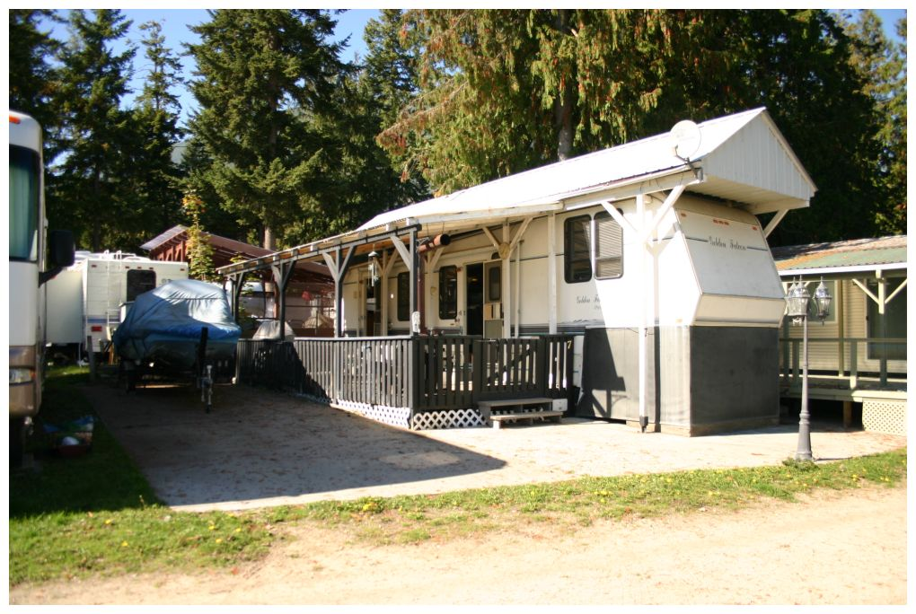 Main Photo: 7 6592 Northwest Trans Canada Highway in Salmon Arm: Glen Echo Resort House for sale (NW Salmon Arm)  : MLS®# 10107023