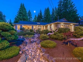 Main Photo: 146 E Crescent Road: Qualicum Beach House for sale (Parksville/Qualicum)  : MLS®# 443750
