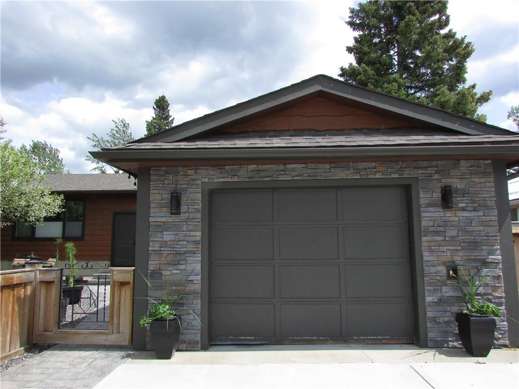 FEATURED LISTING: 605 2 Street Northeast Sundre