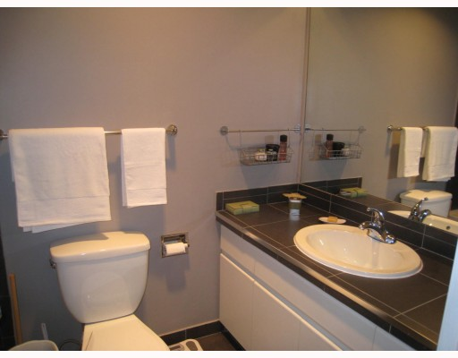Photo 3: 306 7428 19th Avenue in Burnaby: Edmonds Condo for sale (Burnaby East)