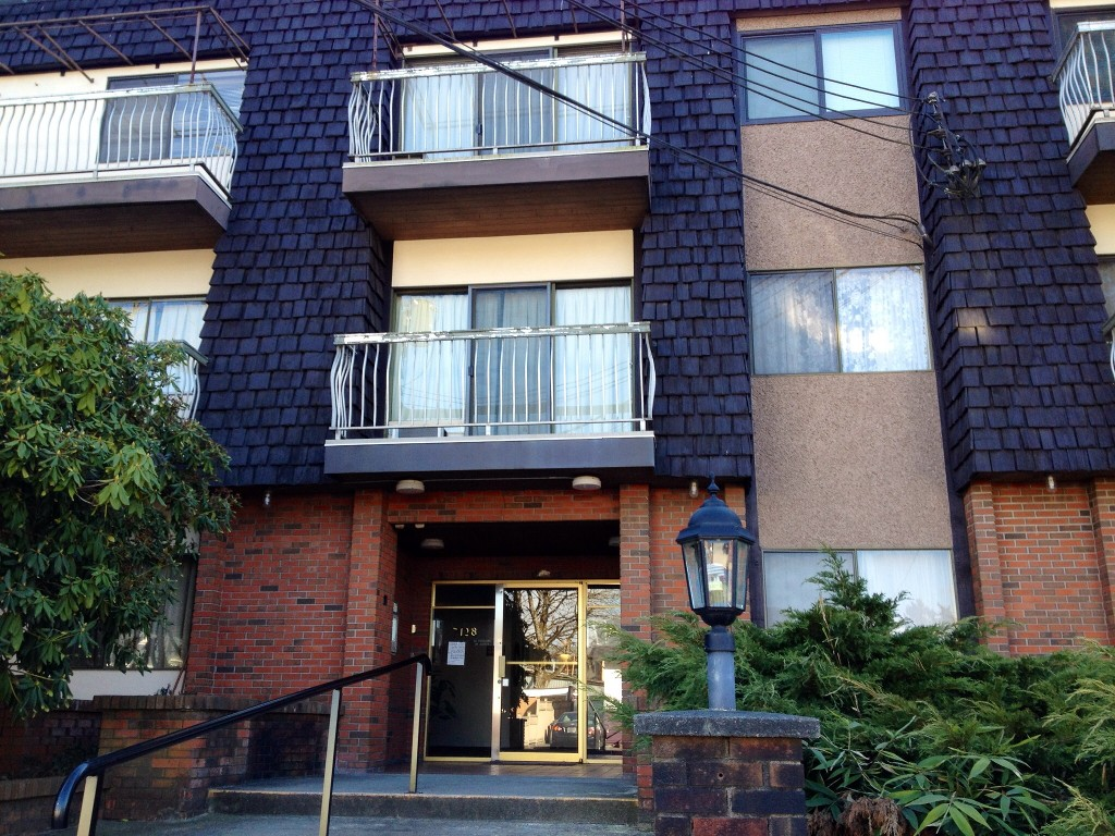 Photo 5: 306 7428 19th Avenue in Burnaby: Edmonds Condo for sale (Burnaby East)