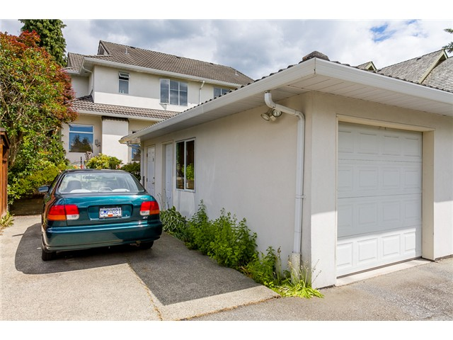 Photo 16: 1545 MAHON AV in North Vancouver: Central Lonsdale Condo for sale : MLS(r) # V1014249
