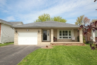 Main Photo: 7639 Alpine Drive: Niagara Falls Freehold for sale (Niagara)  : MLS® # 30567551
