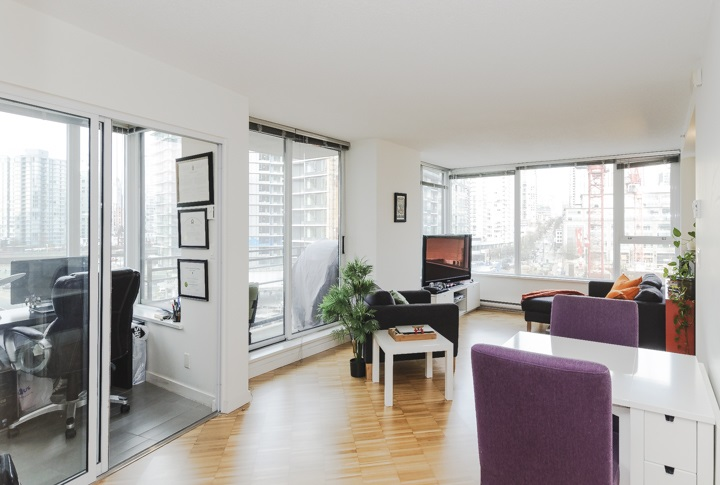Main Photo: 906 33 SMITHE STREET in Vancouver: Yaletown Condo for sale (Vancouver West)  : MLS®# R2039702