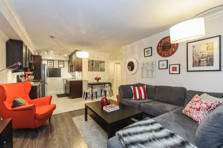 Main Photo: 206 1990 W 6TH AVENUE in Vancouver: Kitsilano Condo for sale (Vancouver West)  : MLS®# R2111932