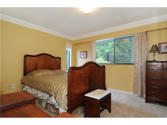 Photo 8: 611 BOURNEMOUTH Crescent in North Vancouver: Windsor Park NV House for sale : MLS® # V935406