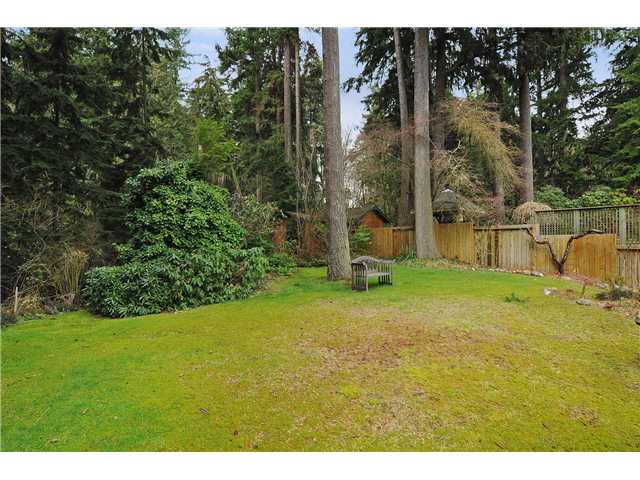 Photo 2: 611 BOURNEMOUTH Crescent in North Vancouver: Windsor Park NV House for sale : MLS® # V935406