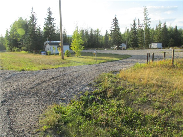 "Main Photo: 21034 TOMPKINS Road: Hudsons Hope Home for sale in ""BERYL PRAIRIE SUBDIVISION"" (Fort St. John (Zone 60))  : MLS® # N239487"