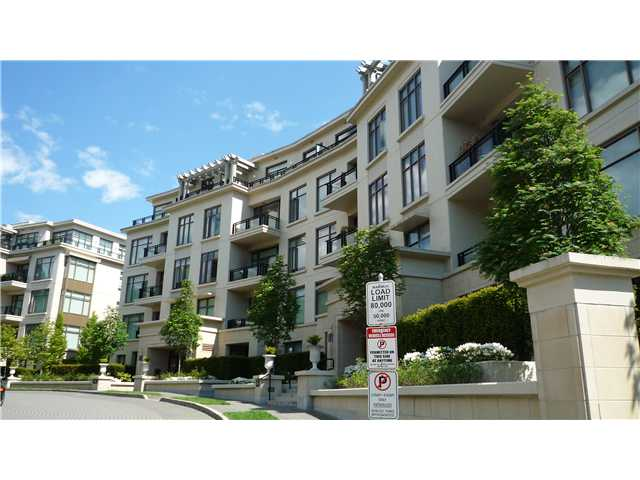 Main Photo: 102 540 Waters Edge Cresc in West Vancouver: Park Royal Condo for sale