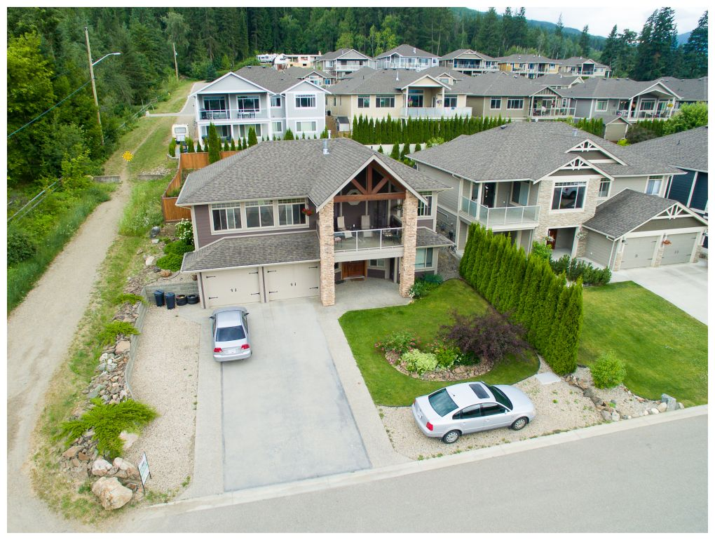 Main Photo: 1020 Southwest 23 Avenue in Salmon Arm: The Ridge House for sale (SW Salmon Arm)  : MLS® # 10097166
