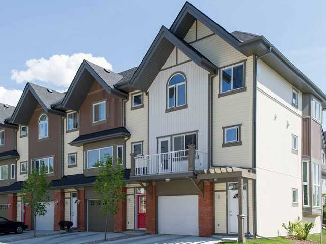Main Photo: 911 WENTWORTH Villa SW in CALGARY: West Springs Townhouse for sale (Calgary)  : MLS® # C3532088