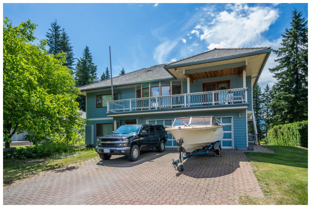 Main Photo: 2598 Golf Course Drive in Blind Bay: Shuswap Lake Estates House for sale : MLS® # 10102219