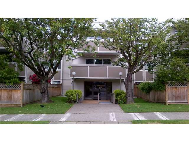 "Main Photo: 301 1775 W 11TH Avenue in Vancouver: Fairview VW Condo for sale in ""RAVENWOOD"" (Vancouver West)  : MLS® # V951345"
