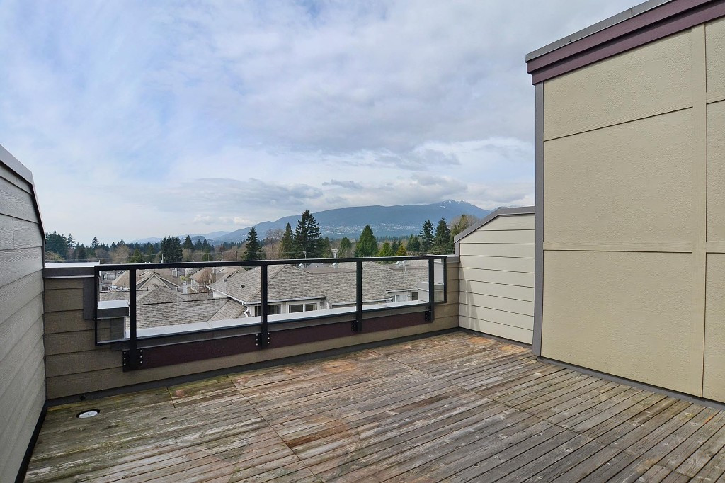 Photo 9: 148 W 18TH Street in North Vancouver: Central Lonsdale Townhouse for sale : MLS® # V1021367