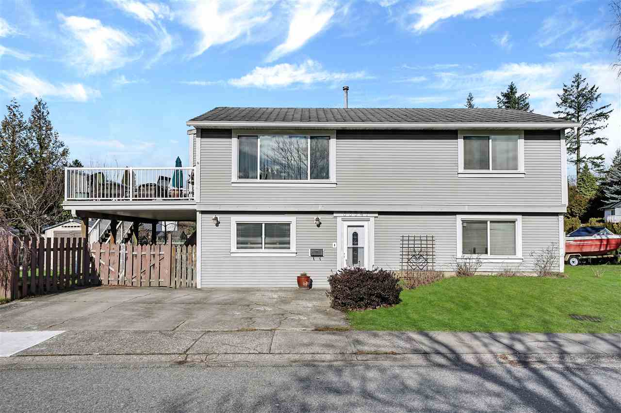 FEATURED LISTING: 33947 GILMOUR Drive Abbotsford