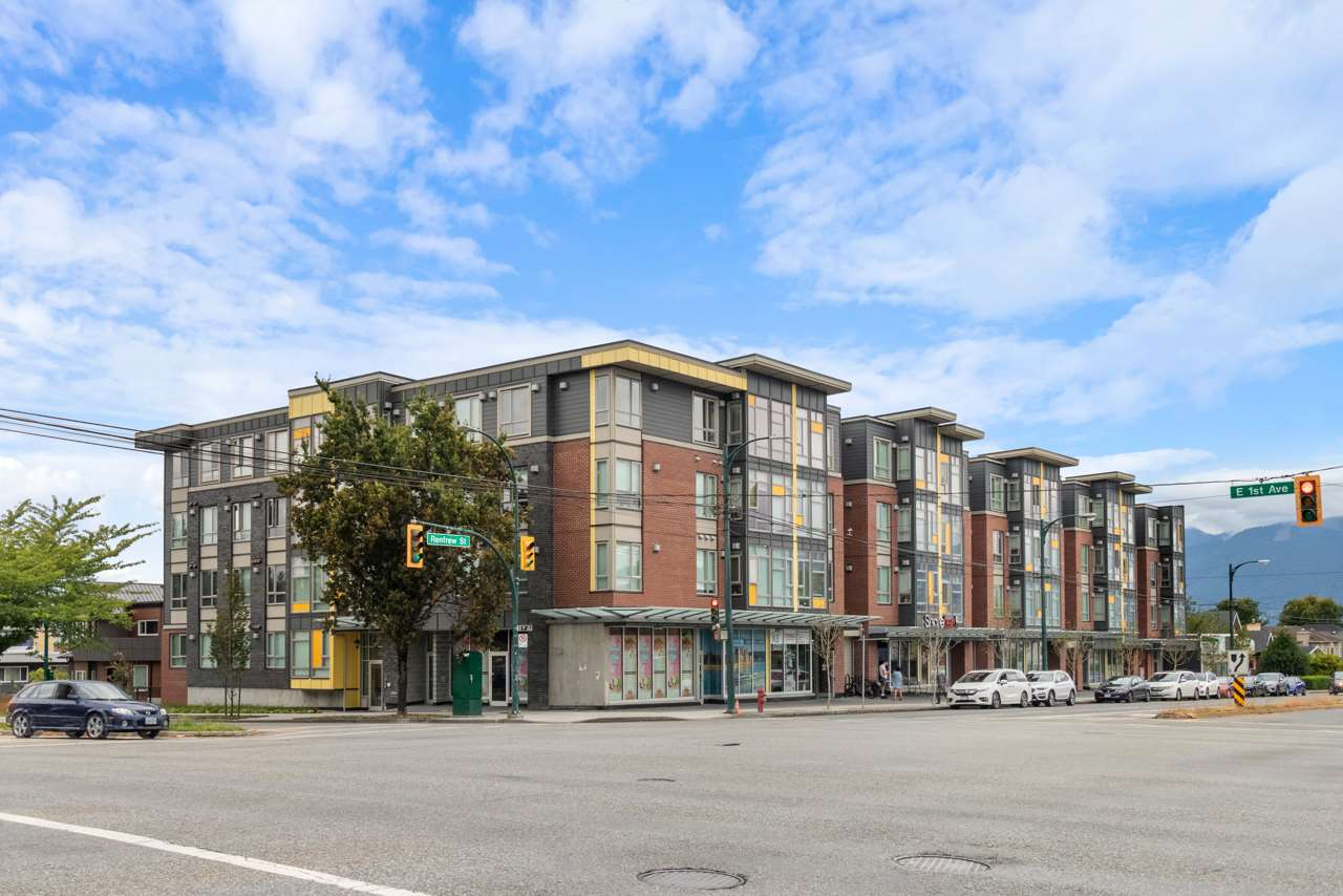 FEATURED LISTING: PH18 - 2889 1ST Avenue East Vancouver