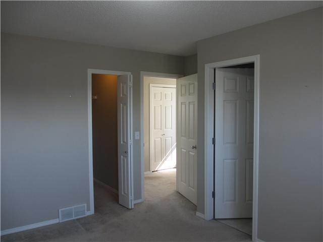 Photo 5: 53 EVERSYDE Point SW in CALGARY: Evergreen Townhouse for sale (Calgary)  : MLS® # C3536284