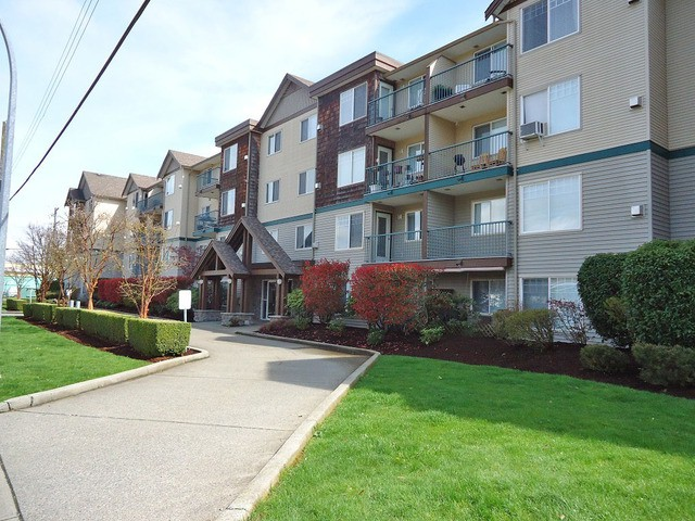 Main Photo: #202 2350 Westerly St. in Abbotsford: Abbotsford West Condo for rent