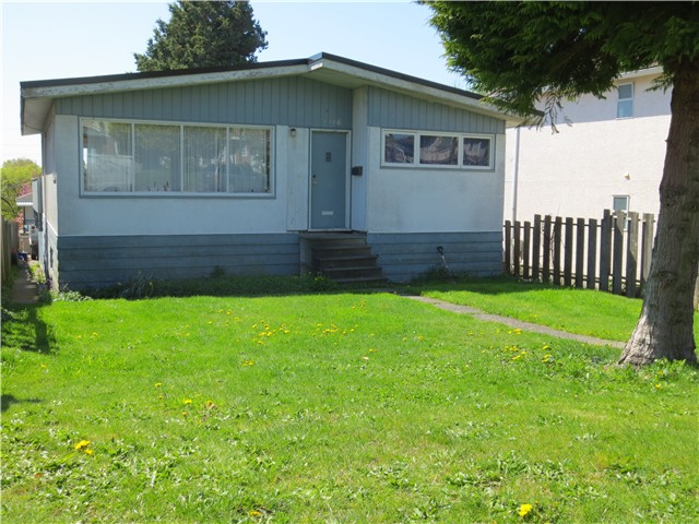 Main Photo: 1796 ISLAND Avenue in Vancouver: Fraserview VE House for sale (Vancouver East)  : MLS® # V1002950
