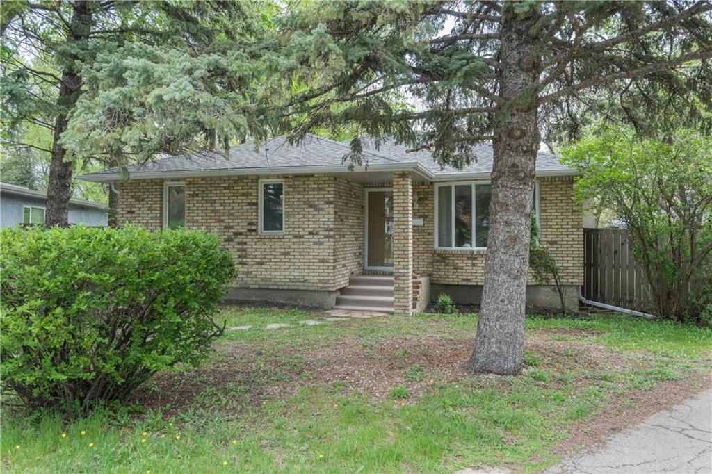FEATURED LISTING: 910 Wicklow Place Winnipeg
