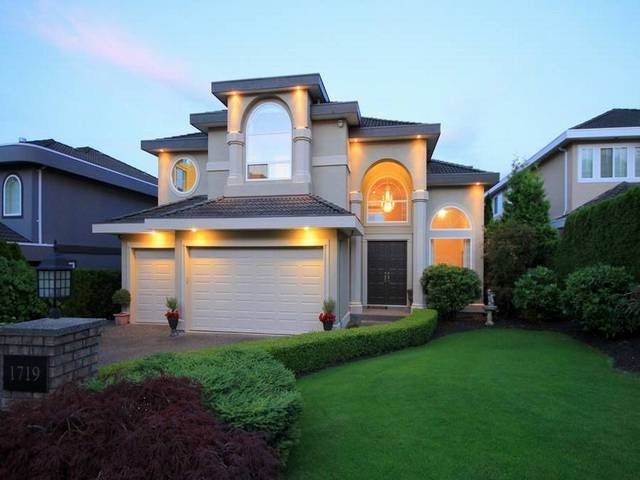 "Main Photo: 1719 SPYGLASS Court in Coquitlam: Westwood Plateau House for sale in ""HAMPTON ESTATES"" : MLS® # V1074049"