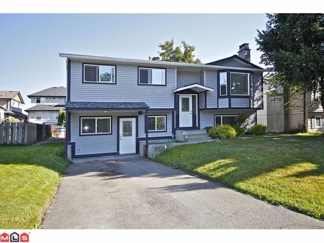 "Main Photo: 27123 34A Avenue in Langley: Aldergrove Langley House for sale in ""UPPER PARKSIDE"" : MLS®# F1220963"