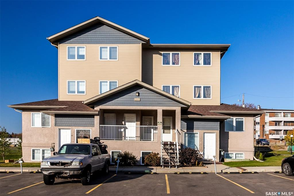 FEATURED LISTING: 9 - 1507 19th Street West Saskatoon