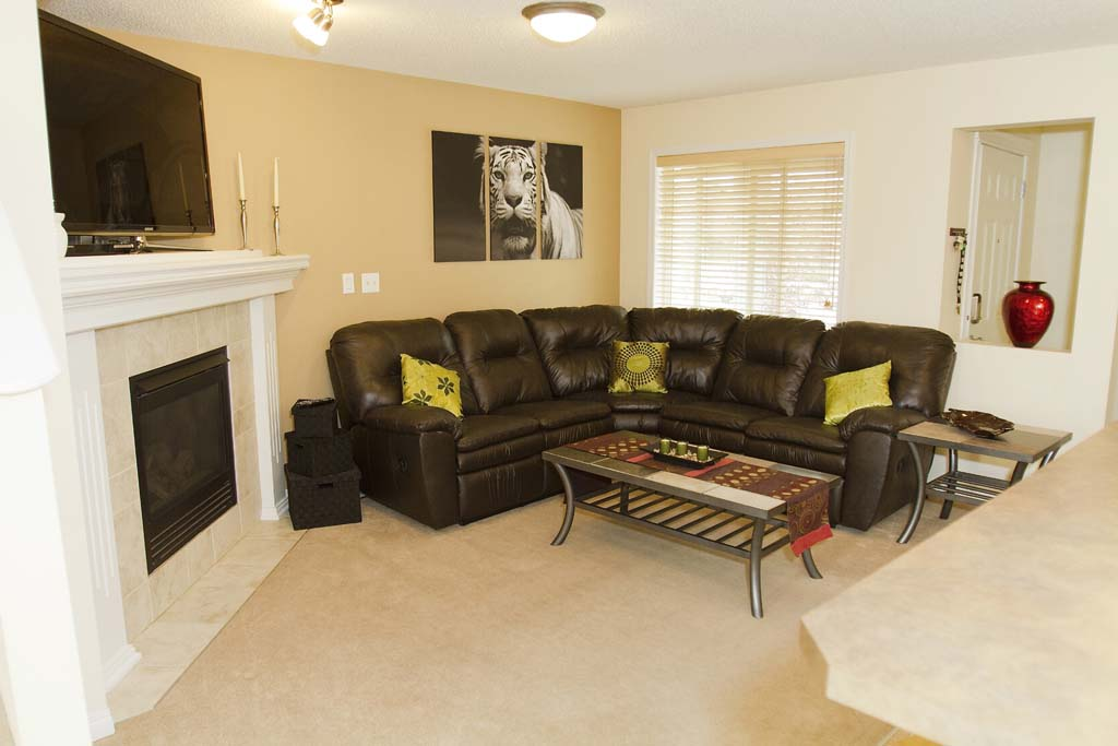 Photo 3: 343 Summerton Crescent NW in Sherwood Park: House Duplex for sale