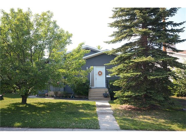 FEATURED LISTING: 91 MacEwan Glen Road Northwest Calgary