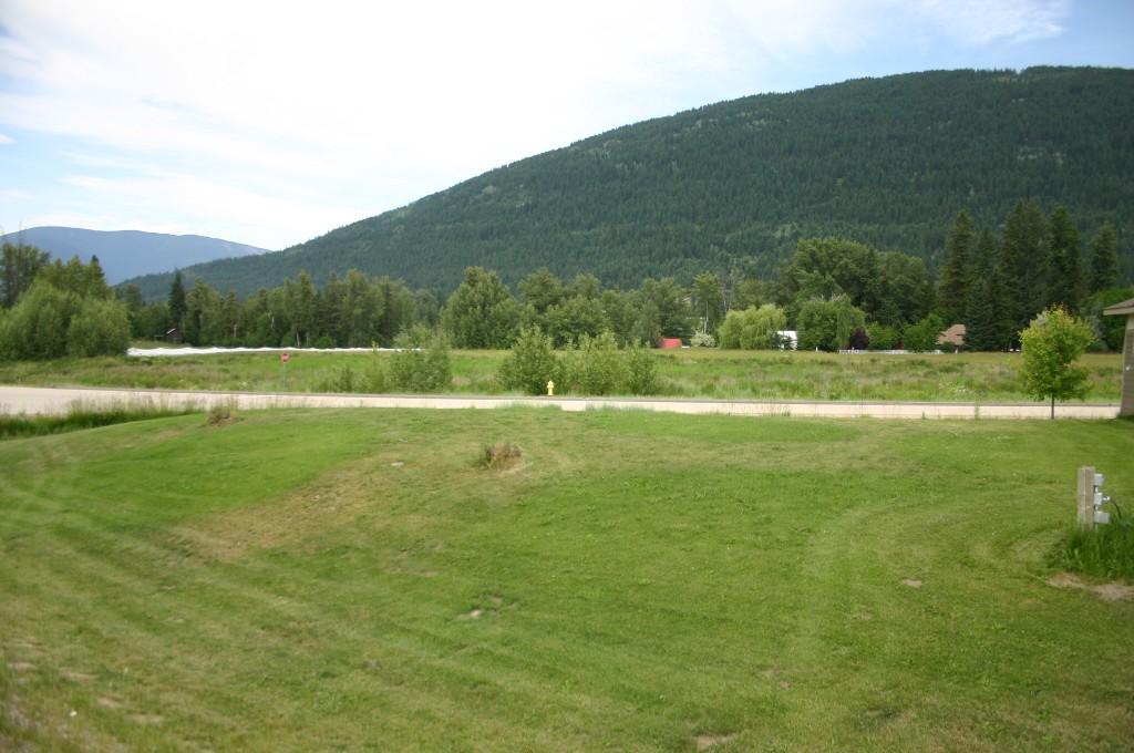 Main Photo: 1190 Northeast 51 Street in Salmon Arm: Vacant Land for sale (NE Salmon Arm)  : MLS® # 10118659