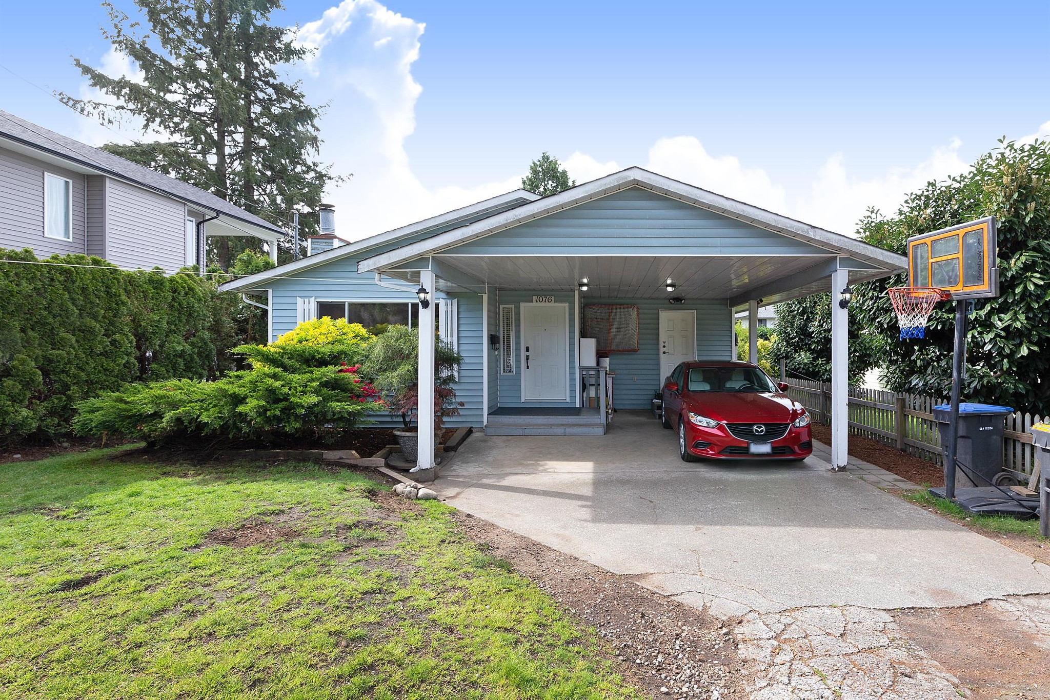 FEATURED LISTING: 1076 PRAIRIE Avenue Port Coquitlam