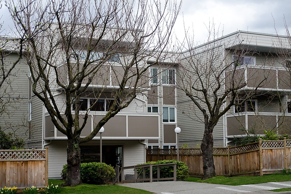 "Main Photo: 203 1775 W 11TH Avenue in Vancouver: Fairview VW Condo for sale in ""RAVENWOOD"" (Vancouver West)  : MLS® # V938148"