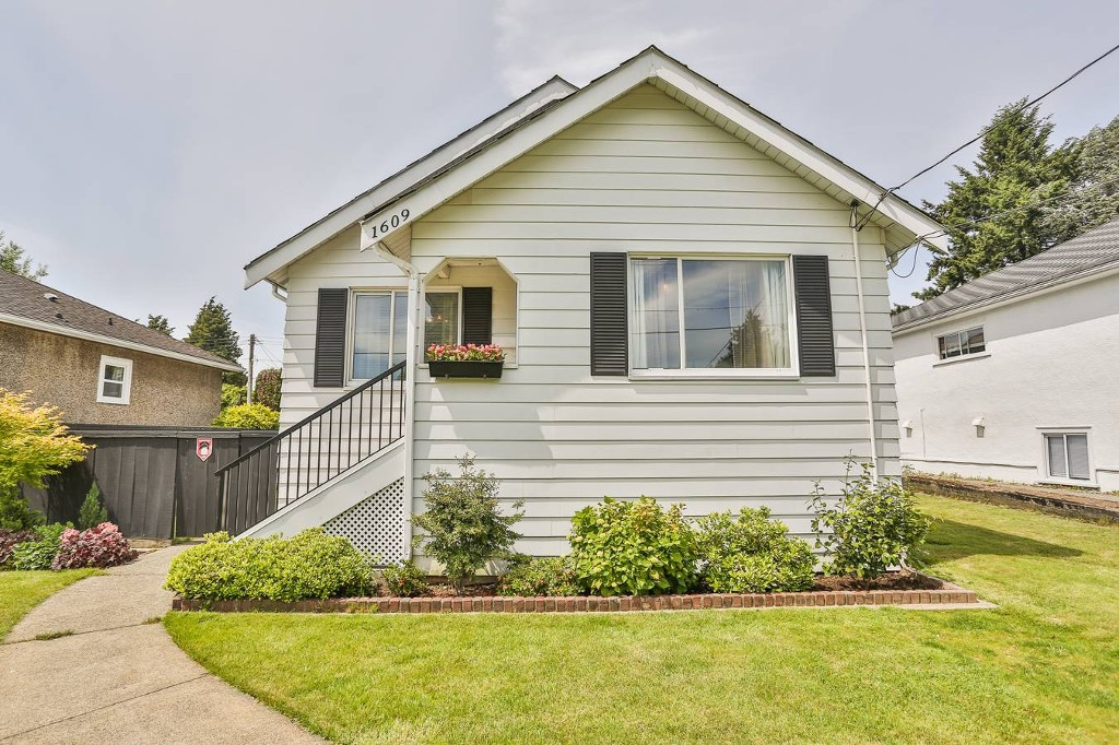 FEATURED LISTING: 1609 London Street New Westminster
