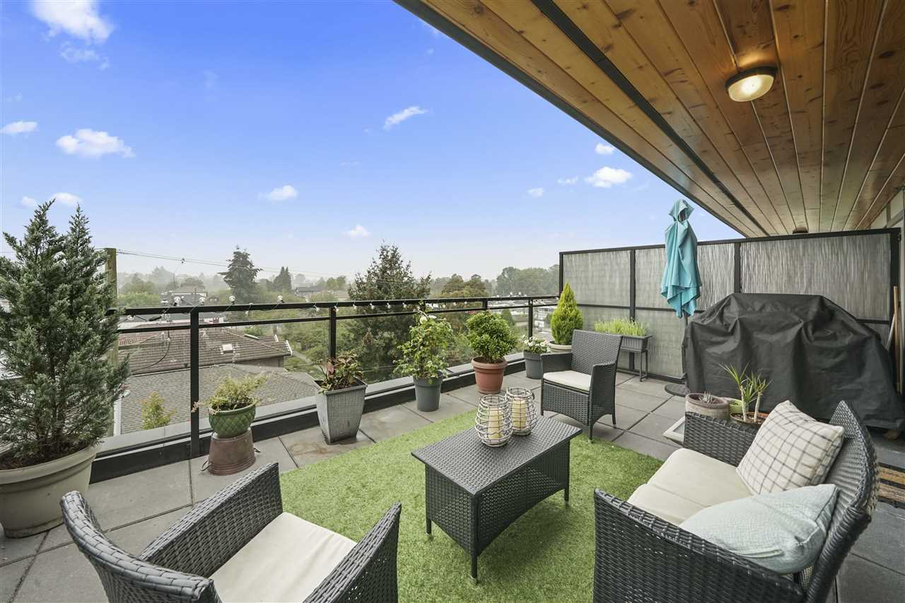 FEATURED LISTING: 403 - 688 18TH Avenue East Vancouver