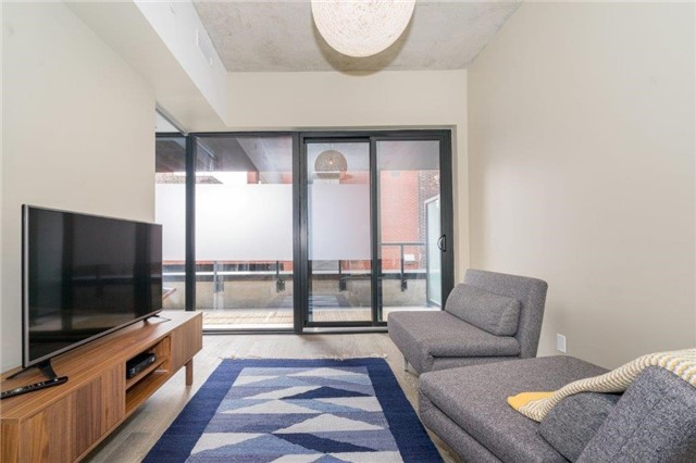 Photo 3: 383 Sorauren Ave Unit #201 in Toronto: Roncesvalles Condo for sale (Toronto W01)  : MLS® # W3759458