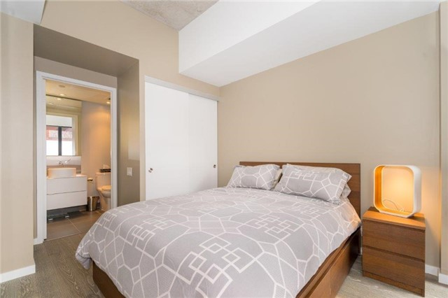Photo 8: 383 Sorauren Ave Unit #201 in Toronto: Roncesvalles Condo for sale (Toronto W01)  : MLS® # W3759458