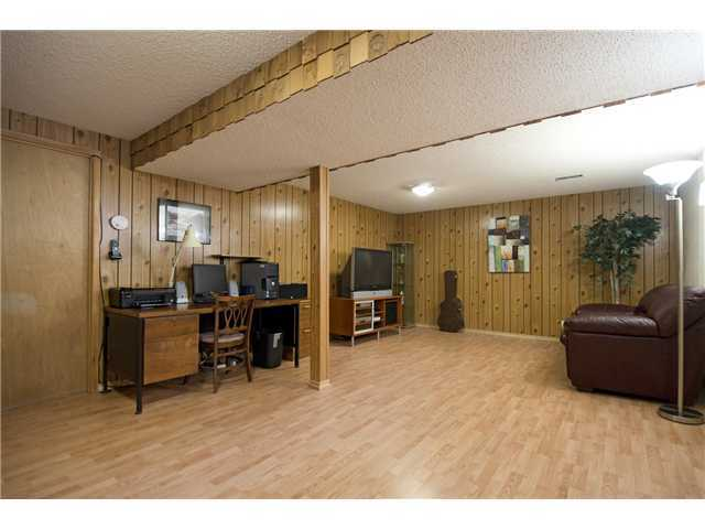 Photo 14: 3611 LOGAN Crescent SW in CALGARY: Lakeview Residential Detached Single Family for sale (Calgary)  : MLS® # C3580842