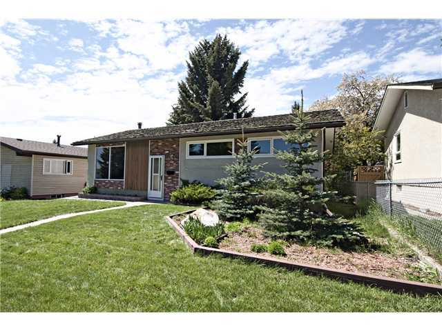 Photo 17: 3611 LOGAN Crescent SW in CALGARY: Lakeview Residential Detached Single Family for sale (Calgary)  : MLS® # C3580842