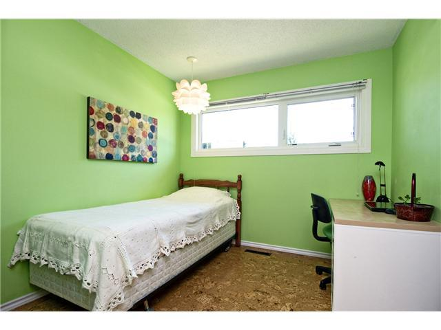 Photo 12: 3611 LOGAN Crescent SW in CALGARY: Lakeview Residential Detached Single Family for sale (Calgary)  : MLS® # C3580842