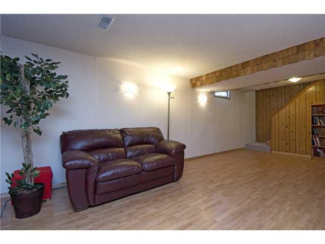 Photo 13: 3611 LOGAN Crescent SW in CALGARY: Lakeview Residential Detached Single Family for sale (Calgary)  : MLS® # C3580842