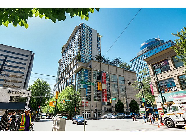 "Main Photo: 1723 938 SMITHE Street in Vancouver: Downtown VW Condo for sale in ""ELECTRIC AVENUE"" (Vancouver West)  : MLS®# V1075235"