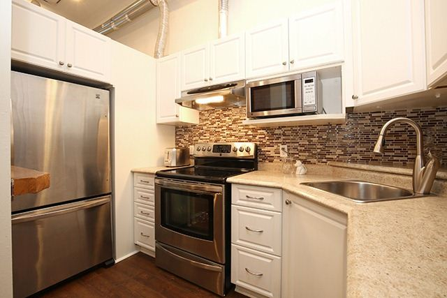 Photo 11: 121 Prescott St Unit #4 in Toronto: Weston-Pellam Park Condo for sale (Toronto W03)  : MLS® # W3264946