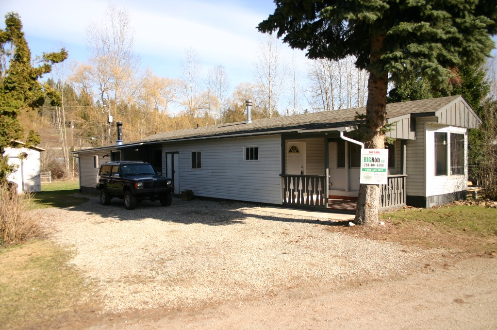 Main Photo: 13 6458 Southeast Auto Road in Salmon Arm: SE Salmon Arm House for sale (Shuswap/Revelstoke)  : MLS® # 10076942