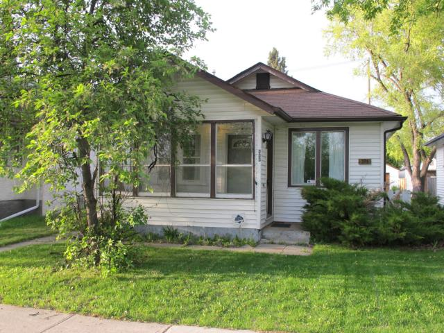 Main Photo:  in WINNIPEG: East Kildonan Residential for sale (North East Winnipeg)  : MLS® # 1210099