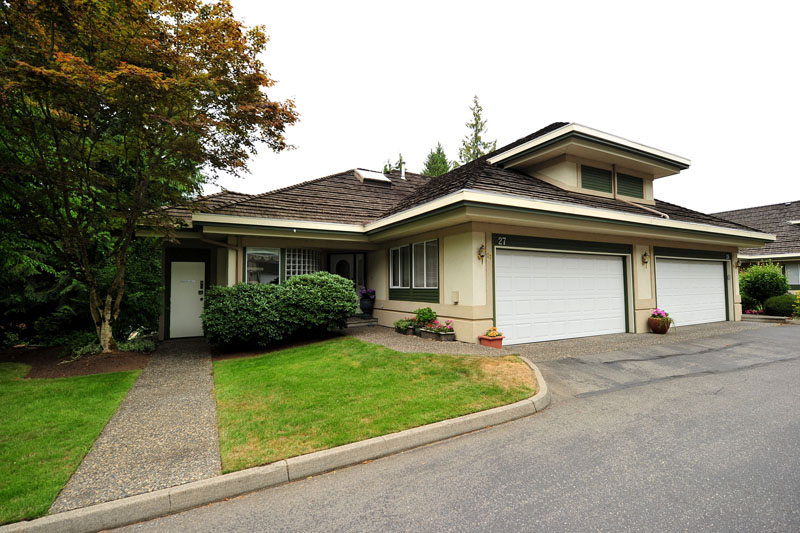 Main Photo: 27 4001 OLD CLAYBURN Road in Abbotsford: Abbotsford East Townhouse for sale : MLS® # F1319230