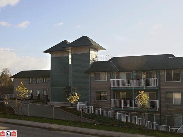 Main Photo: 420 33960 Old Yale Road in Abbotsford: Downtown Abbotsford Condo for rent