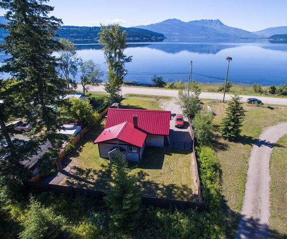 Main Photo: 3839 Sunnybrae-Canoe Pt. Road in Tappen: Sunnybrae House for sale : MLS® # 10119959